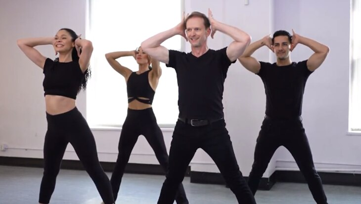 Video: The Iconic Choreography Of Chicago